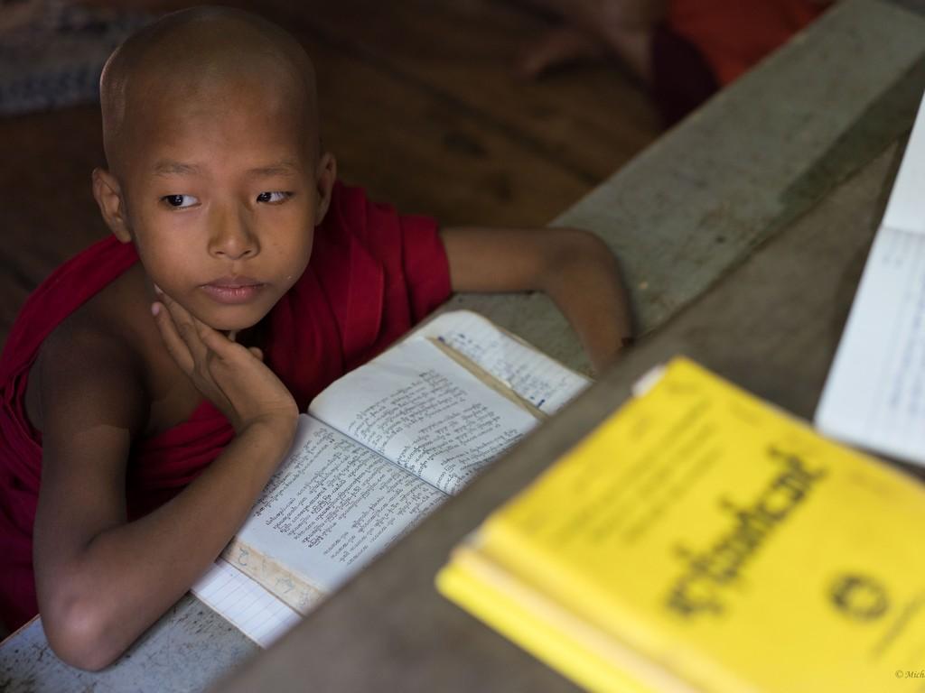 michele cannavo medico psichiatra psicoterapeuta sicilia catania foto birmania m2 13