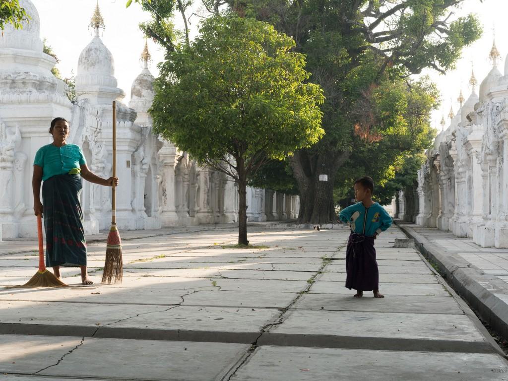 michele cannavo medico psichiatra psicoterapeuta sicilia catania foto birmania m2 18