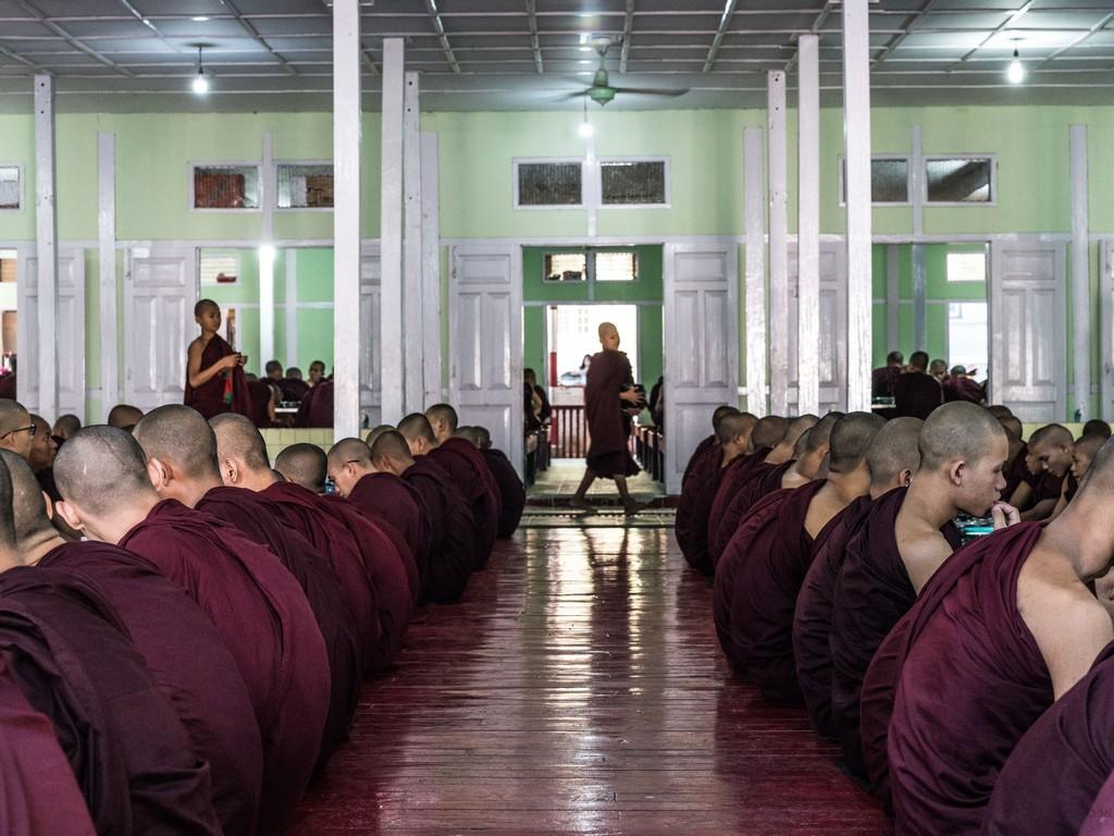 michele cannavo medico psichiatra psicoterapeuta sicilia catania foto birmania m2 21