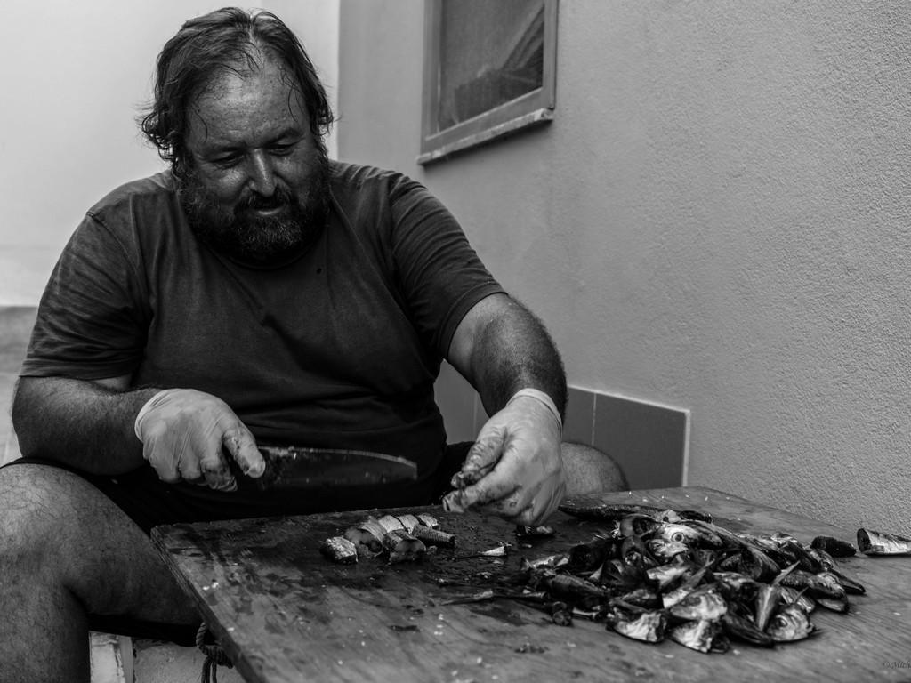 michele cannavo medico psichiatra psicoterapeuta sicilia catania foto linosa m2 12