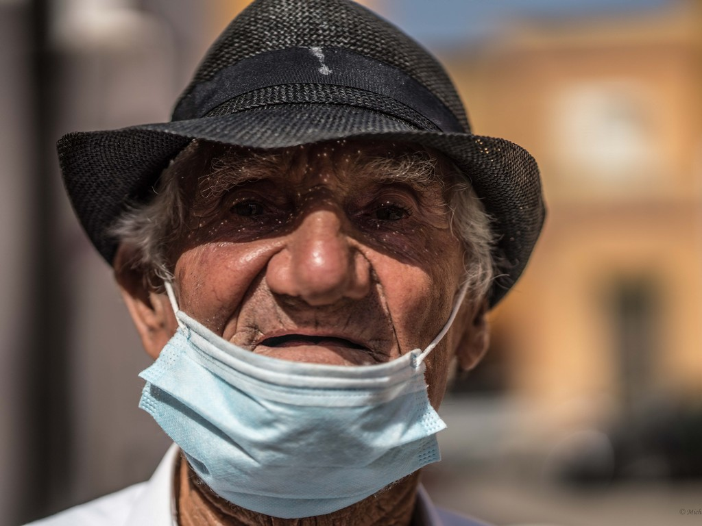 michele cannavo medico psichiatra psicoterapeuta sicilia catania foto linosa m2 15